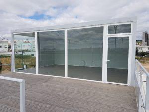 Module baie vitrée et terrasse